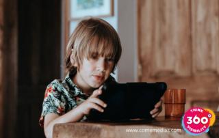 Une tablette ou un livre pour les enfants ?